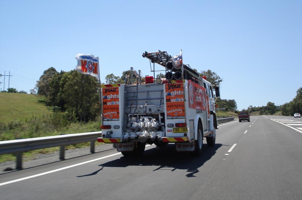 Fbeu_truck_on_road
