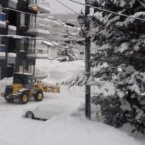 Still snowing in #niseko, getting ready to hit the mountain again.